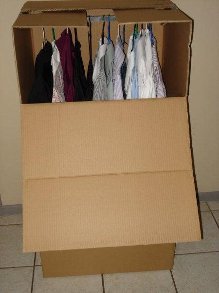 Portable Robe Packing Boxes. Moving Boxes with handles 594x476x1099mm