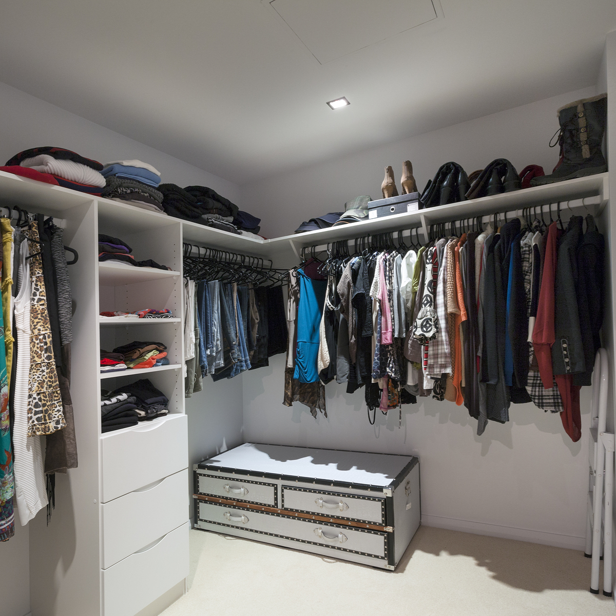 Moving Tips Packing Your Wardrobe for Moving Day